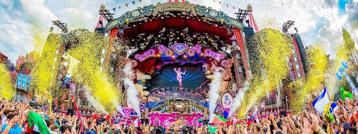 Tomorrowland - velvet curtain