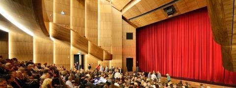 De Kom: Stage curtains & curtain tracks by ShowTex