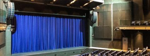 Y-Theatre - velvet curtain